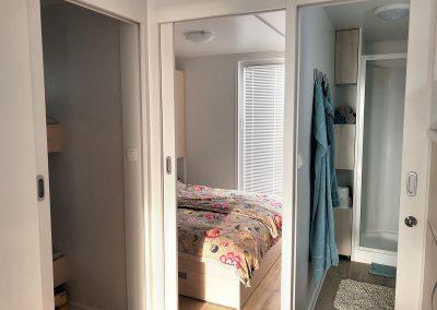 Garderobna omara, zakonska spalnica in del kopalnice